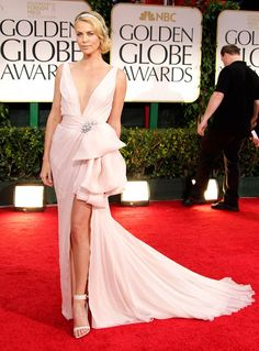 Charlize Theron  Golden Globes 2012 in Christian Dior.