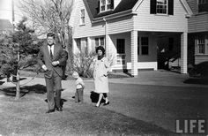 Windup Of Kennedy Campaign Date taken: 1960 Photographer: Paul Schutzer Les Kennedy, Caroline Kennedy, Kennedy Compound, Hyannis Port, John Junior, Moon Missions, Peace Corps, Life Magazine, Jfk
