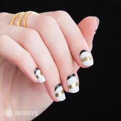 Introducing SoNailicious x Jamberry! Designed by Australian nail artist, Maria Vlezko, this monochromatic metallic wrap, 'Geo French Twist' is the perfect mix of minimalistic meets chic. Jamberry Business, Nail Mania, Jamberry Nails, Jamberry Wraps, Minimalist Nails, Vegan Beauty, Nail Wraps, White Nails, Nail Artist