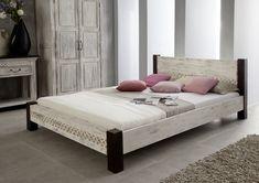 Bett der Serie CASTLE ANTIK. Mit weißem Wachs behandeltes Mangoholz bildet einen wunderschönen Kontrast zu dunkel lackierter Akazie. #möbel #möbelstücke #schlafzimmer #holz #echtholz #massivholz #wood #wooddesign #woodwork #homeinterior #interiordesign #homedecor #decor #einrichtung #furniture #storage #bedroom #bedroomideas #ideas #märchen #fairytale #kolonialstil #akazie #mango #massivmoebel24 #bett #bed #doppelbett
