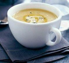 White bean soup: Simple crock pot Super Bowl recipe for busy families. Yum! #simple #crockpot #recipes