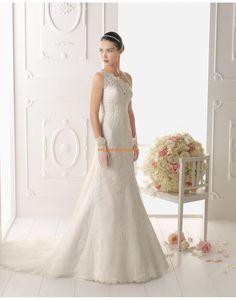 Robe de mariée asymétrique tulle application dentelles