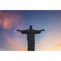 Climbed a mountain and found Jesus yesterday... #cristoredentor #corcovado #thatsoneheavyjesus #christ #statue #landmark #hike #tourist101 #riodejaneiro #brazil #mytravelgram #kn_world_tour #Padgram