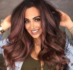 Love this look on her! #gorgeous_hair#hudabeauty ❤️