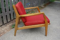 Philadelphia: Mid Century Modern Chair $75 - http://furnishlyst.com/listings/377386