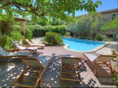 Blauzac, Maison de vacances avec 6 chambres pour 14 personnes. Réservez la location 1592247 avec Abritel. A 5min d'UZES, MAGNIFIQUE MAS AVEC PISCINE ET JARDIN