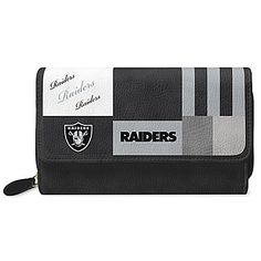 Shop The Bradford Exchange for For The Love Of The Game San Francisco Wallet. The San Francisco win over your heart every year. They've got you down as their number 1 fan! Now, show your team pride and love for fashion with the For the Love of the Game. Raiders Team, Oakland Raiders Fans, Raiders Football, Raiders Girl, Football Stuff, 49ers Fans, Nfl Fans, Football Accessories, Nfl San Francisco