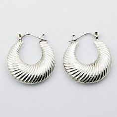 DESIGNER Unique Fluted SILVER HOOP EARRINGS NOW $33.95aus With FREE SHIPPING WORLD WIDE.. SAVE THIS PIN OR BUY NOW FROM LINK HERE .............................  http://www.ebay.com.au/itm/-/182246506062?ssPageName=ADME:L:LCA:AU:1123