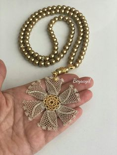 Crochet Flower Patterns, Crochet Patterns For Beginners, Knitting Patterns, Sewing Patterns, Amigurumi Free, Selling Crochet, Simile, Macrame Jewelry, Hand Jewelry