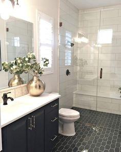 Trendy Bathroom Shower Tile Design Black And White Ideas Bathroom Tile Designs, Bathroom Interior Design, Shower Designs, White Bathroom, Modern Bathroom, Master Bathroom, Dyi Bathroom, Bathroom Showers, Tile For Small Bathroom