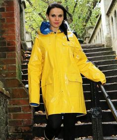 #RaincoatsForWomenFashion #RaincoatsForWomenRed Raincoat Jacket, Yellow Raincoat, Hooded Raincoat, Rain Fashion, Rainy Day Fashion, Raincoats For Women, Jackets For Women, Clothes For Women, Women's Jackets
