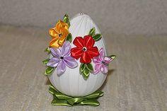 armas / Biele veľkonočné vajce s jarnými kvietkami I.