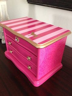 Vintage up-cycled Jewelry Box Inspired By Victoria Secret Pink from ColorfulHomeDesigns on Etsy. Jewellery Boxes, Jewellery Storage, Diy Jewelry, Jewelry Chest, Wooden Jewelry, Vintage Jewelry, Jewelry Making, Upcycled Vintage, Repurposed