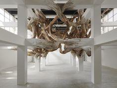 Desnatureza, de 2011, na GalerieVallois, em Paris, de Henrique Oliveira