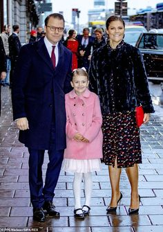 Estelle and her parents Crown Princess Victoria and Prince Daniel and her grandparents King Carl XVI Gustaf and Queen Silvia attended a… Princess Sofia Of Sweden, Princess Victoria Of Sweden, Princess Caroline, Crown Princess Victoria, Crown Princess Mary, Duke And Duchess, Duchess Of Cambridge, Swedish Royalty, Prince Daniel