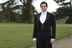 Thomas Barrow (Portrayed by Rob James-Collier)