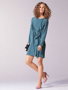 Read all comments entered here- nLong Sleeve Flounce Dress 01/2017 #112B – Sewing Patterns  | BurdaStyle.com - make as tunic in thin white cotton with 3/4 length ruffle edged sleeves as seen at https://instagram.com/p/BSArNo8jWUM/