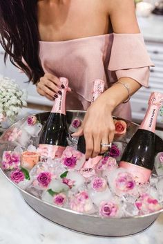 How to organize a bachelorette party? Ideas for girls . Идеи для девични… How to organize a bachelorette party? Ideas for a bachelorette party. Wedding Tips. Fiesta Shower, Garden Bridal Showers, Wedding Showers, Garden Shower, Rustic Bridal Showers, Themed Bridal Showers, Outdoor Bridal Showers, High Tea, Party Planning