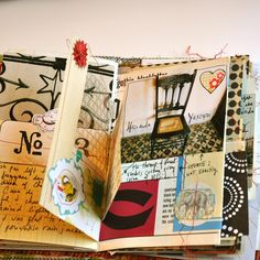 Art journal ideas from one sheepish girl. [I don't know when this was originally pinned so the following offer may be out of date] Giveaway Win a Journal & Memory-Making E-Course!