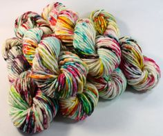 A super soft single ply: 80% Superwash Merino 20% Nylon 82 yards :: 100 grams Approx 6WPI BULKY- SUPER BULKY  Hand dyed in small batches, each