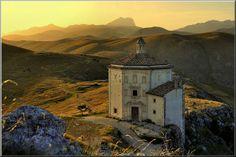 Rocca Calascio - Santa Maria della Pietà, Italia