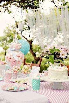 vintage garden party #wedding #inspiration #vintagewedding #vintage #summer #teaparty #gardenparty