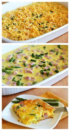 Cheesy Ham & Asparagus Breakfast Bake - this is an amazing brunch idea!