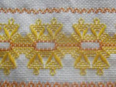 @ Huck Towels, Swedish Weaving Patterns, Swedish Embroidery, Chicken Scratch Embroidery, Quilt Blocks, Embroidery Stitches, Stitch Patterns, Needlework, Diy And Crafts