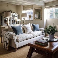 Reverse the colours of cushions and sofas?