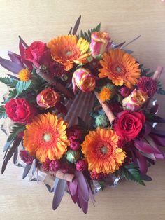 Art floral - automne centre de table Art Floral, Marie, Floral Wreath, Wreaths, Orange, Home Decor, The Creation, Purple Wedding, Center Table