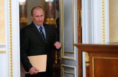 Премьер-министр России Владимир Путин на заседании президиума правительства РФ…