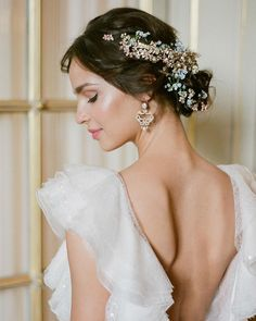 Draped in gilded flowers! If you're looking to be immersed in elegant Parisian chic wedding style, you're in the right place. Today, we're… Paris Wedding, Chic Wedding, Luxury Wedding, Wedding Events, Wedding Styles, Wedding Blog, Wedding Ideas, Weddings, Flower Crown Headband