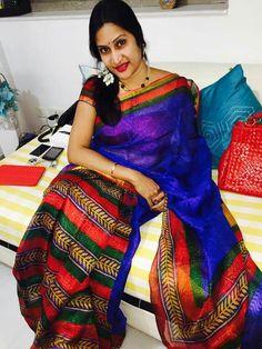 Real Hot Aunty Madhuri Blouse Patterns, Blouse Designs, Indian Dresses, Indian Outfits, Beautiful Saree, Beautiful Women, Women Seeking Men, Indian Silk Sarees, Simple Sarees