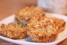 Kernige fast zuckerfreie Müslikekse - einfach, gesund und lecker!
