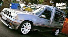 Renault Express - s. Renault Express, Fiat 126, Gt Turbo, Classic Cars, Classic Auto, Cool Vans, Ford Escort, Lewis Hamilton, Thalia