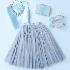 All in Good Cheer Grey Tulle Skirt Looks like a FUN outfit Grey Tulle Skirt, Tulle Skirts, Tulle Skirt Outfits, Midi Skirts, Dress Skirt, Dress Up, Business Outfit, Costume, Mode Inspiration