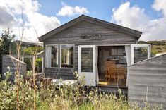 Natuurhuisje 36646 - vakantiehuis in Vlieland Holland, The Good Place, Road Trip, Shed, Outdoor Structures, Cabin, Vacation, House Styles, Nice