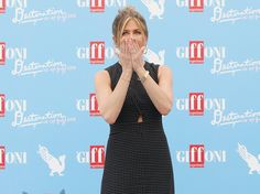 """Jennifer Aniston breaks down during emotional Q&A: """"My heart can't take it"""""""