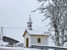 """""""Wenn's an Mariä Lichtmess stürmt und schneit..."""" - #myinnsbruck Cabin, House Styles, Outdoor, Home Decor, Outdoors, Decoration Home, Room Decor, Cabins, Cottage"""