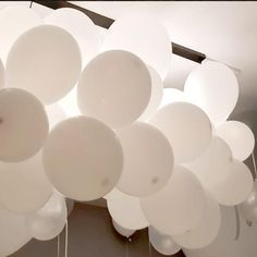 Led Balloons, Balloon Lights, White Balloons, Elephant Baby Shower Centerpieces, Transparent Balloons, White Lead, Handmade Items, Handmade Gifts, Neutral Colors