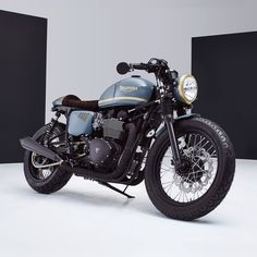 Awesome bike! Triumph Bonneville Cafe Racer by Bunker Custom #motorcycles #caferacer #motos | caferacerpasion.com