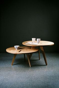 Table Couple by Pop-Up Dom