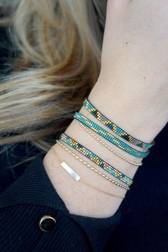Webarmband mit Miyuki-Perlen vergoldeter Schließe Etsy Bracelet tissage avec Miyuki perles-or plaqué fermoir fabriqué Loom Bracelet Patterns, Bead Loom Bracelets, Beaded Jewelry Patterns, Silver Bracelets, Beading Patterns, Jewelry Bracelets, Embroidery Bracelets, Bracelet Designs, Making Bracelets