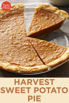 Harvest Sweet Potato Pie - Fall Baking - Healt and fitness Vegan Sweet Potato Pie, Sweet Potato Cheesecake, Sweet Potato Recipes, Sweet Potatoe Pie, Pie Recipes, Fall Recipes, Baking Recipes, Holiday Recipes, Köstliche Desserts