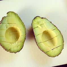 Preparing #guacamole? Learn how to perfectly chop an #avocado on http://wp.me/p4HEKE-1r