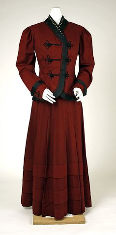 The Metropolitan Museum of Art - Suit Date: ca. 1907 Culture: American (probably) Medium: wool Dimensions: Length at CB (a): 24 1/4 in. (61.6 cm) Length at CB (b): 41 1/4 in. (104.8 cm) Credit Line: Purchase, Irene Lewisohn Bequest, 1982 Accession Number: 1982.367.3a, b