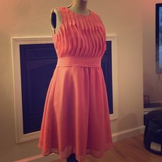 Coral Dress - STUNNING This beautiful coral dress is too small for me now! LOFT Dresses