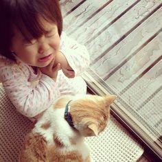 ガブってやられたよーう(T ^ T) お腹の空いた胡桃に手を出しちゃダメです(^_^;) @kotoritomakoto