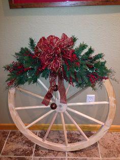 Christmas Wagon Wheel Decoration