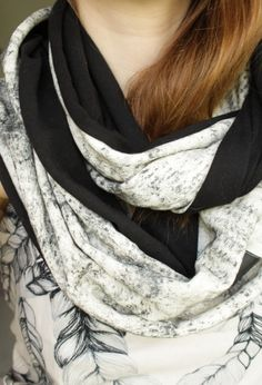 Scarf with corn print